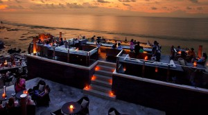 rooftop bar 300x166 Bali Nightlife Offers Rooftop Bars for Stunning View